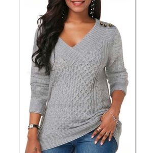 Cable Knit Gray V-Neck Button Detail Sweater - M/L